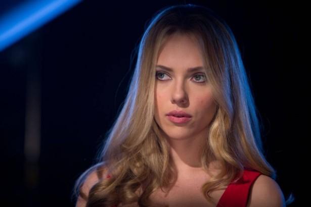 Scarlett-Johansson-DonJon-2-900x600
