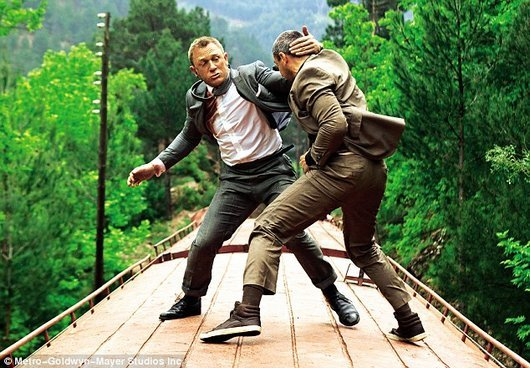 james-bond-007-skyfall-daniel-craig-behind-the-scenes-photos1