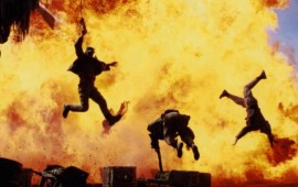 Boom!!!  Vaya, hasta parece divertido estar cerca de una explosion