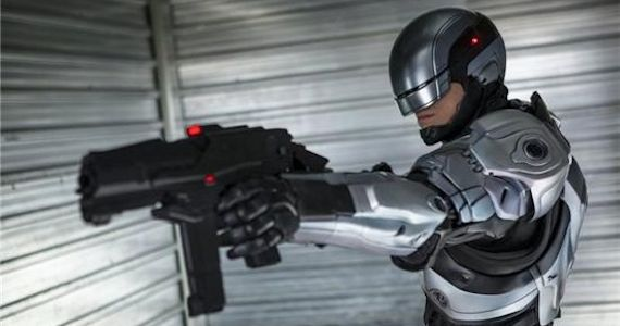 RoboCop-2014-Grey-Suit