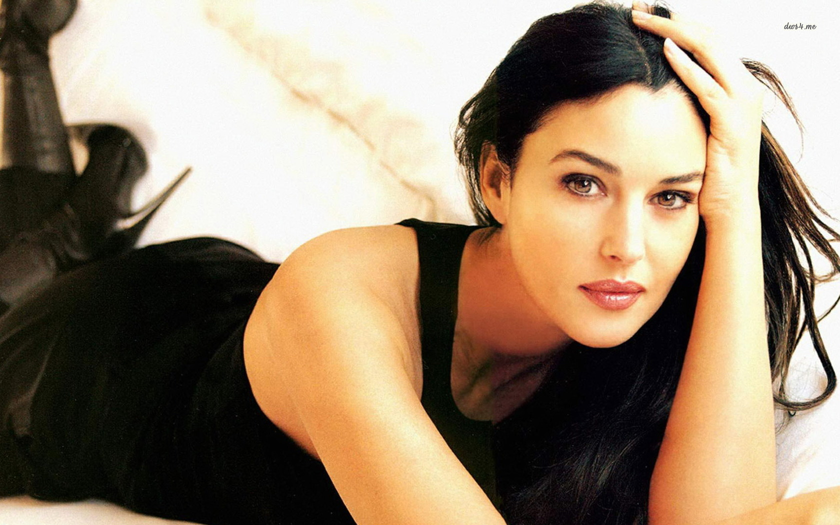 most-beautiful-monica-bellucci-wallpaper