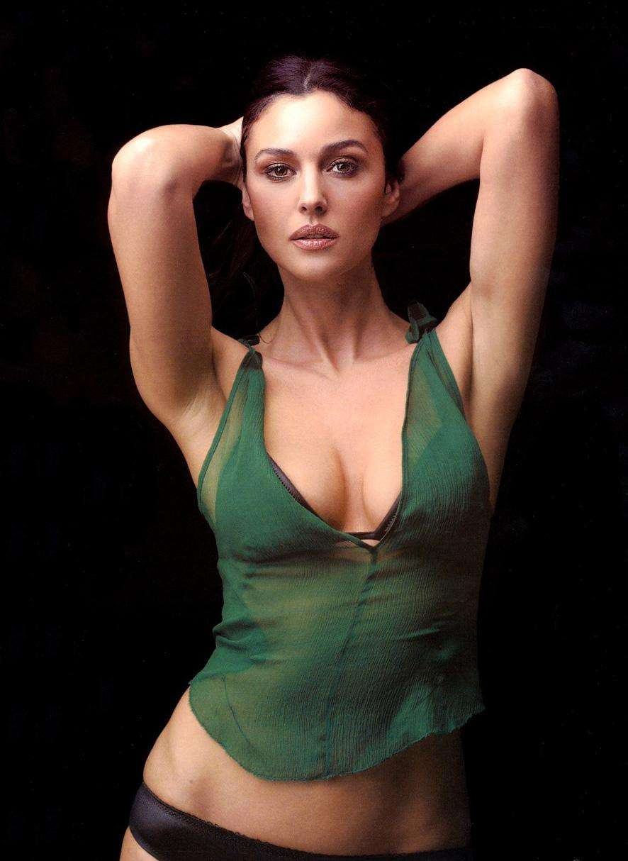monica-bellucci-mensuration