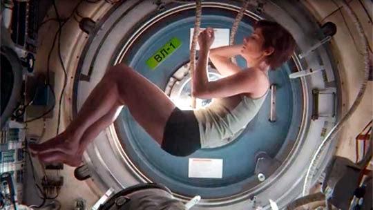 Gravity-Alfonso-Cuarón-Sandra-Bullock-Ryan-Stone-feto