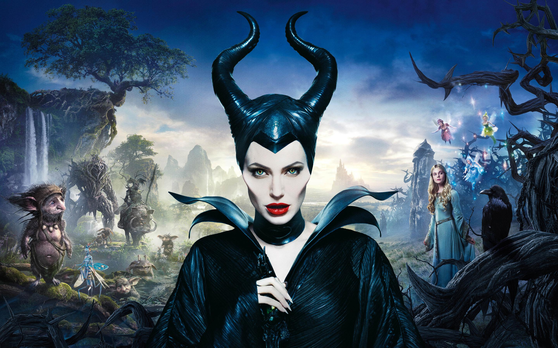 16-angelina-jolie-maleficent