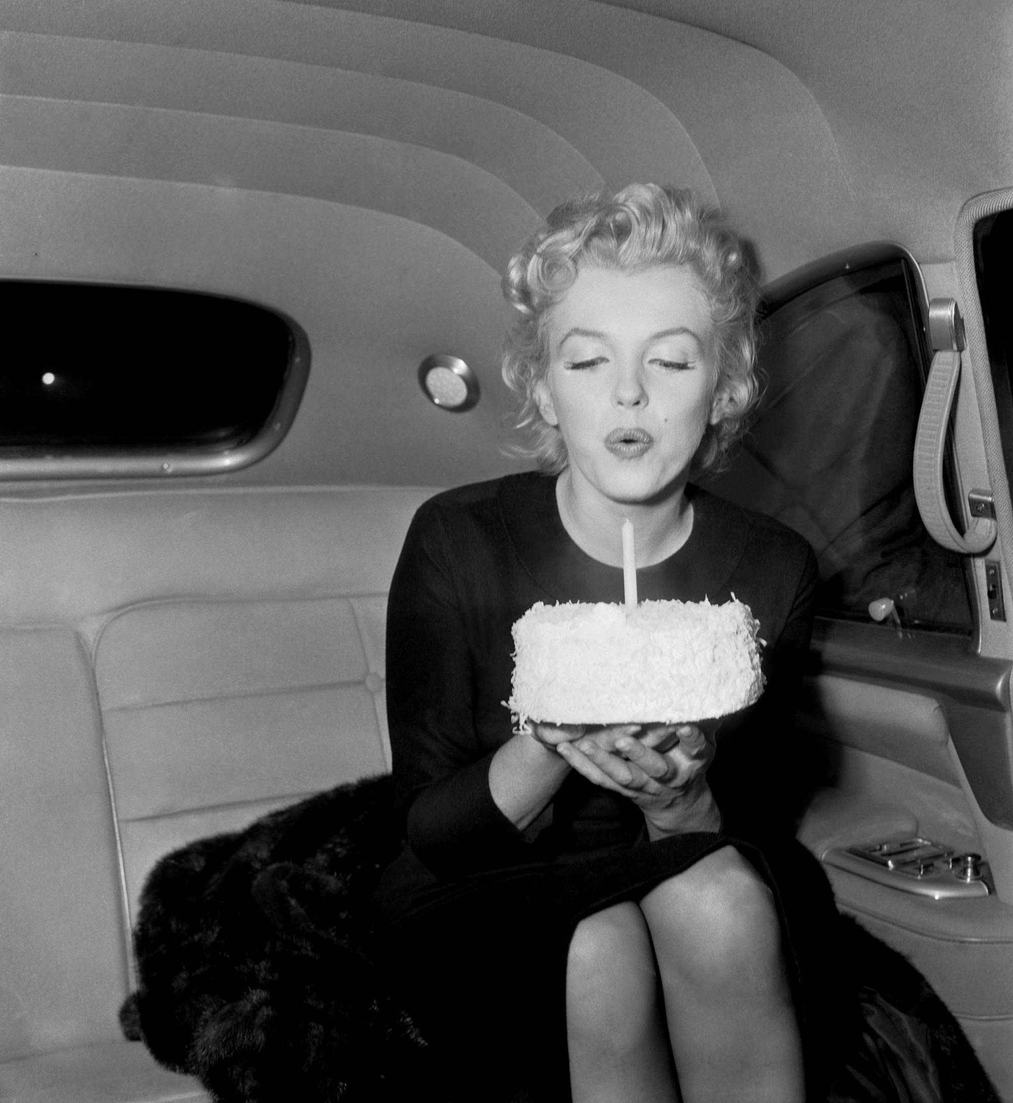 marilyn-monroe-happy-birthday-to-me