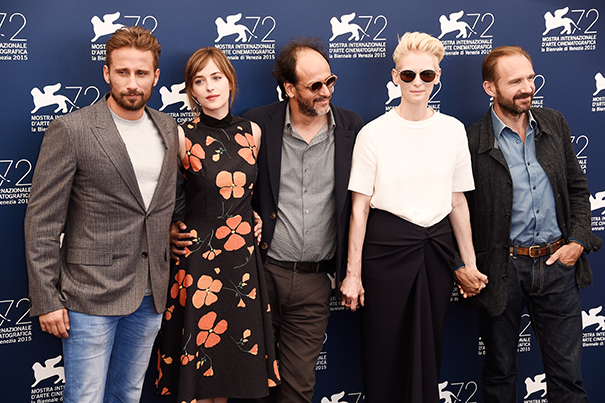 VENICE, ITALY - SEPTEMBER 06: Matthias Schoenaerts, Luca Guadagnino, Dakota Johnson, Tilda Swinton and Ralph Fiennes attend a photocall for 'A Bigger Splash' during the 72nd Venice Film Festival at on September 6, 2015 in Venice, Italy. (Photo by Ian Gavan/Getty Images)