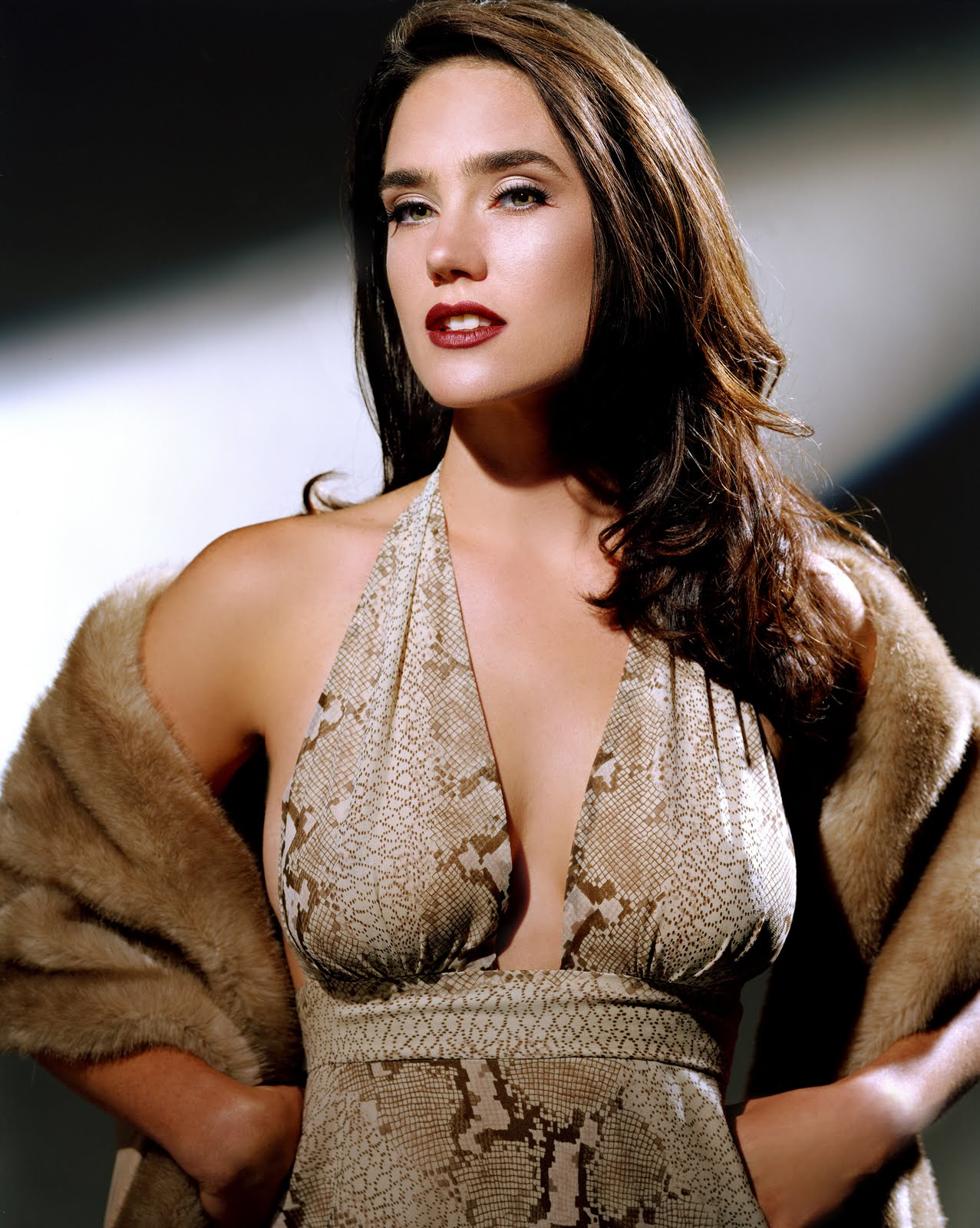 jennifer-connelly-breasts