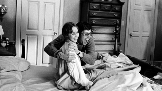 william-friedkin-and-linda-blair-on-the-set-of-the-exorcist